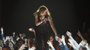 Rayna onstage