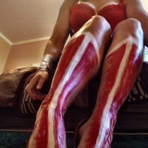 Spirit Halloween 2015 Store Wonder Woman Costume Review + body-painted boots!